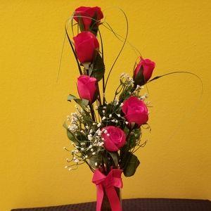 6 Silk Roses